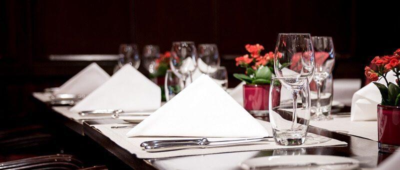 מיתוג מסעדות יוקרה- לאכול את הלוגו…